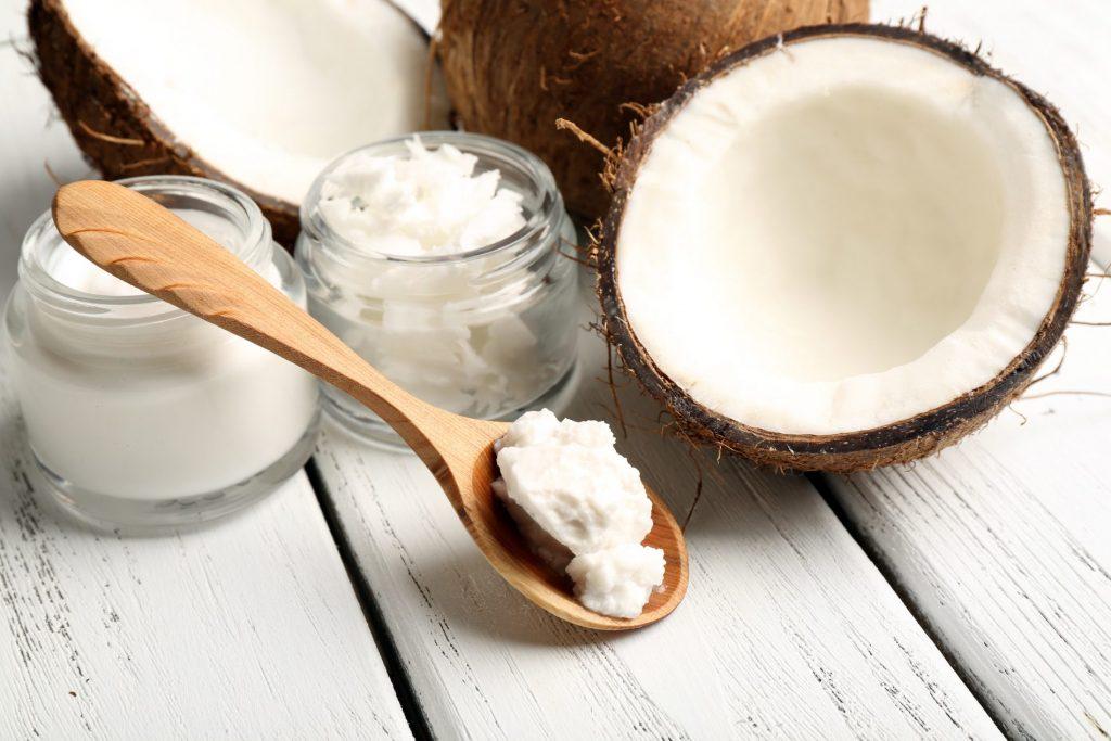 Masáž kokosovým olejom